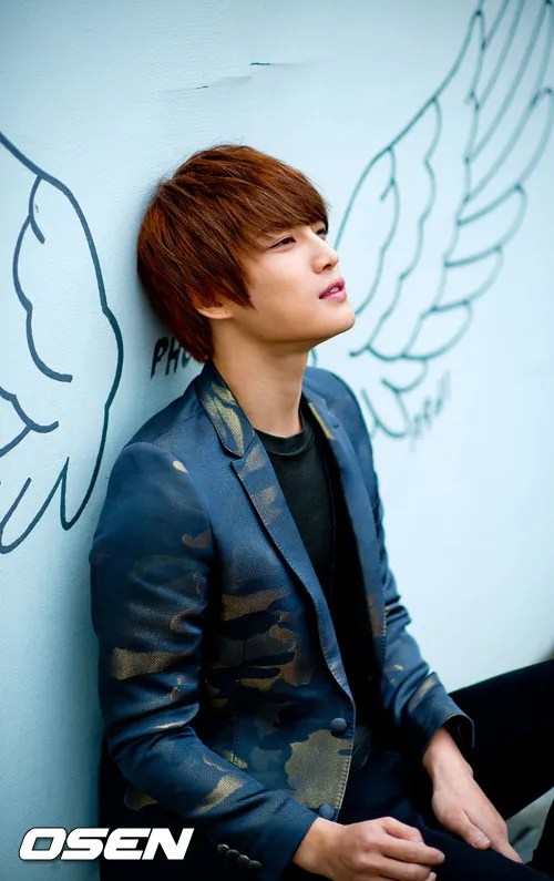 http://s1147.photobucket.com/albums/o550/JYJThree/2012/November/KJJ%20Korean%20Interviews/Osen/?action=view&current=201211150431778492_50a3f19b2de3d.jpg