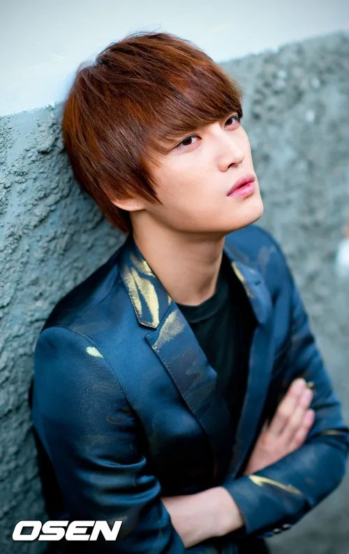 http://s1147.photobucket.com/albums/o550/JYJThree/2012/November/KJJ%20Korean%20Interviews/Osen/?action=view&current=201211150434773900_50a3f265e17da.jpg