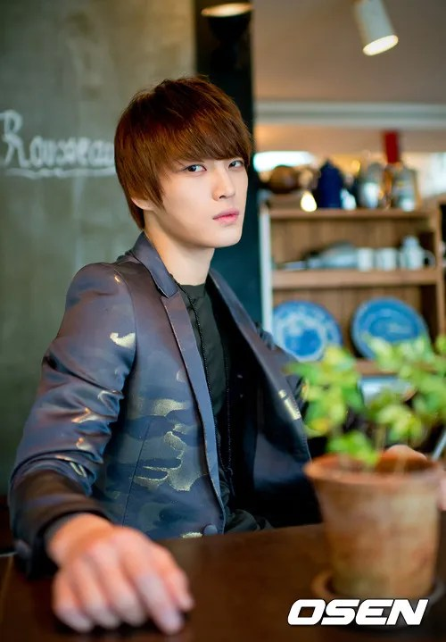 http://s1147.photobucket.com/albums/o550/JYJThree/2012/November/KJJ%20Korean%20Interviews/Osen/?action=view&current=201211150439770344_50a3f390223ac.jpg