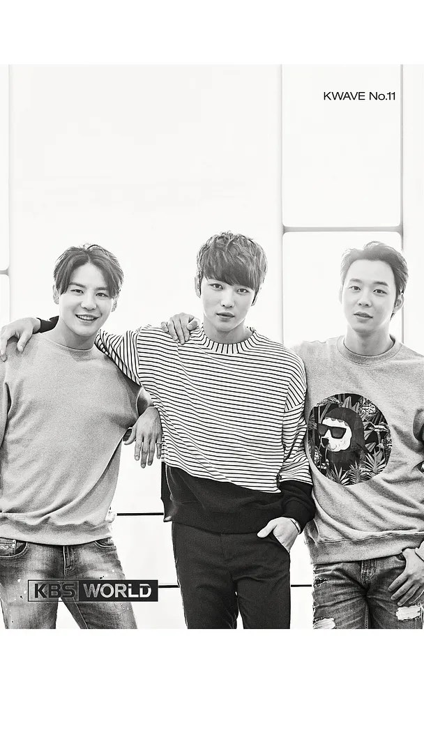 photo KWAVE_No11_cover-1.png