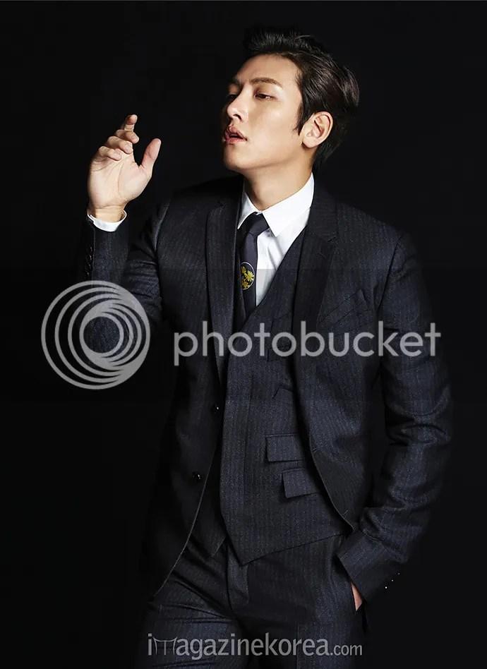 Ji Chang Wook para Esquiere Corea, noviembre 2015, 6