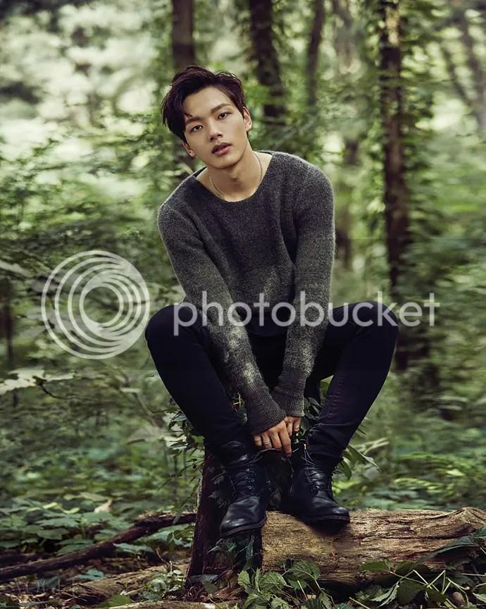 Yeo Jin Goo 2 para Vogue Corea (Bomba Soju)