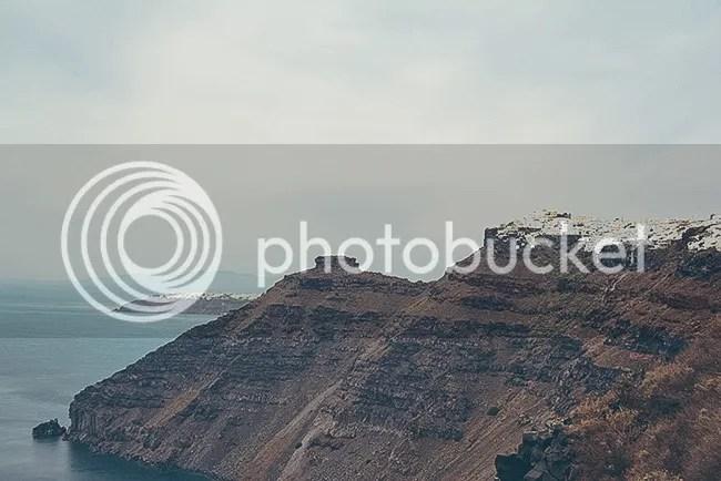Firostefani y Oia a lo lejos. Santorini, Grecia