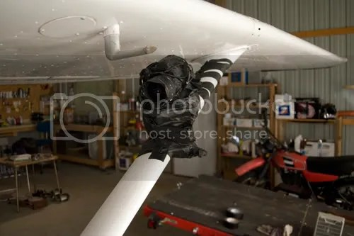 Canon 5D mounted to a Cessna