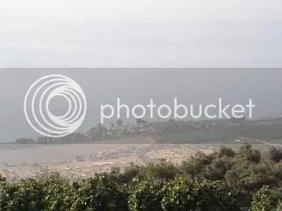 Blick hinunter auf Ein Gev vom Golan
