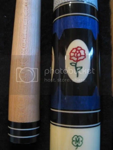 McDermott D-23 Pool Cue with 1 shaft