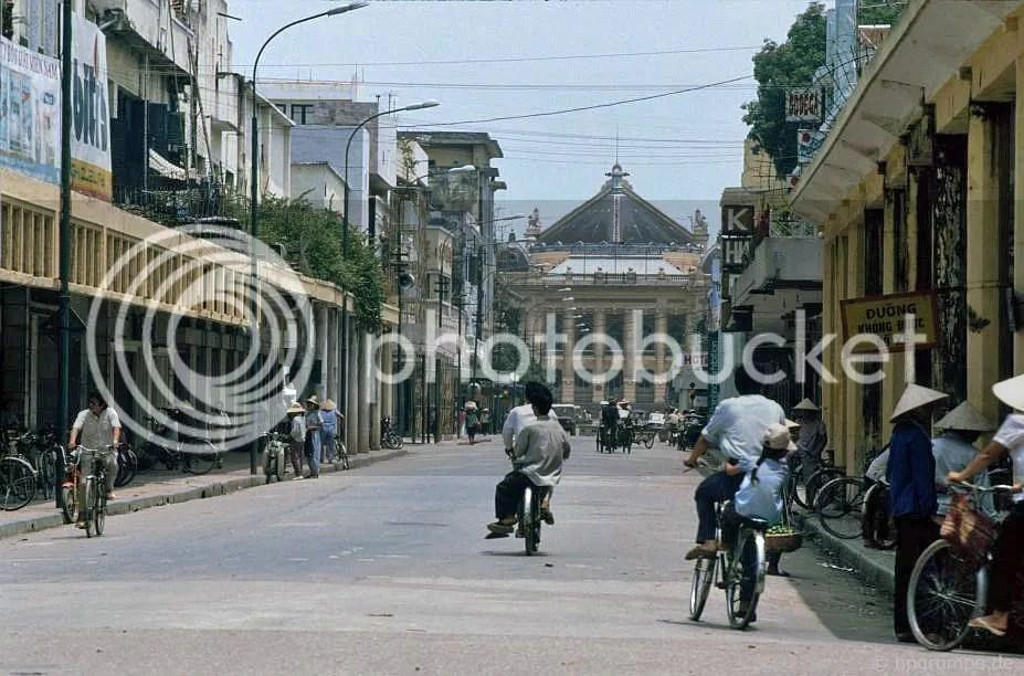 Hà Nội: Cùng nhìn 1992