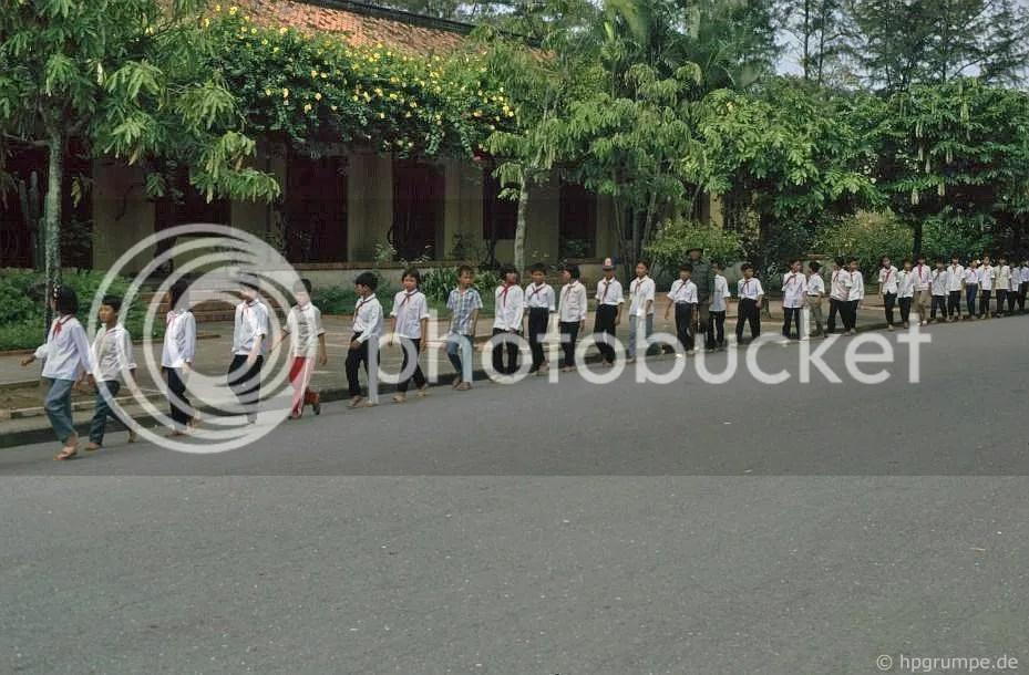 Hà Nội: người hành hương trẻ đến Lăng Chủ tịch Hồ Chí Minh