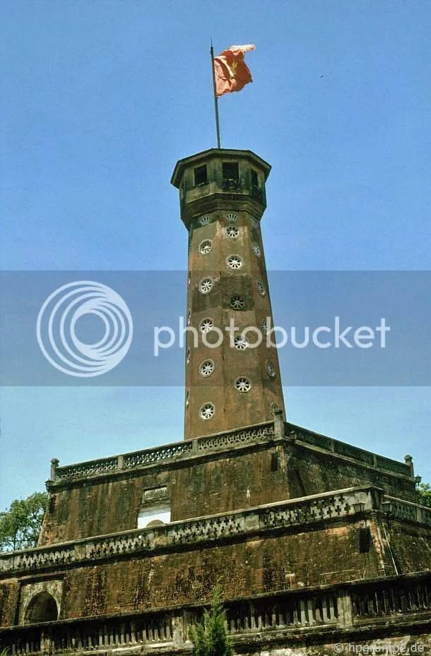 Hà Nội: Cột Cờ - Cờ tháp của thành cổ
