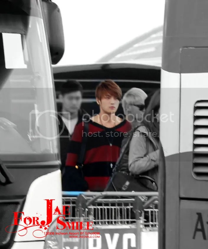 JYJ tại sân bay Incheon ở Nam Mỹ