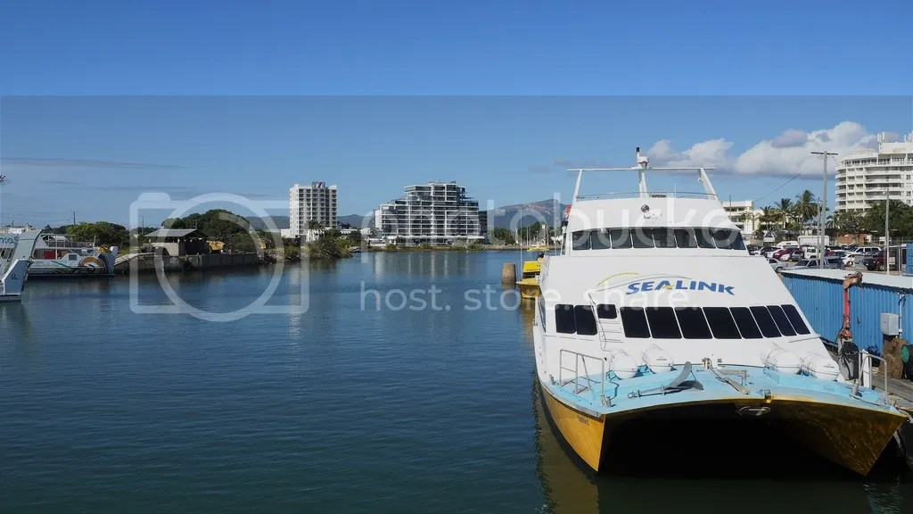 photo Magnetic_Island_Ferry_zpsr0nb2eal.jpg