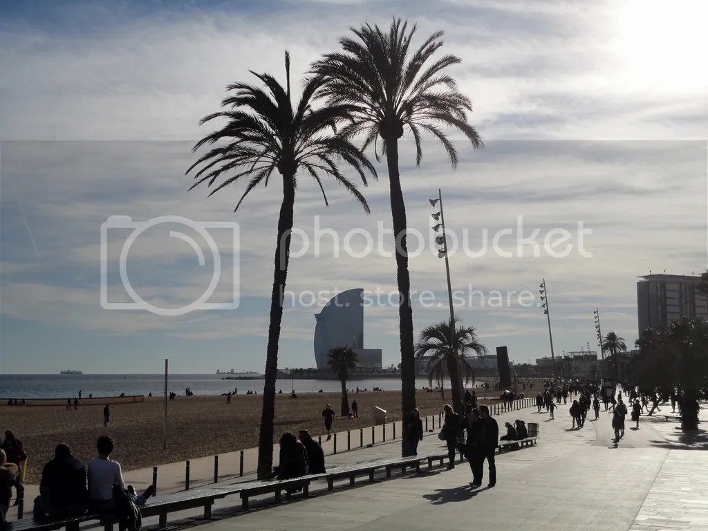 photo Barceloneta_Beach_2_zps9xu0e2fk.jpg