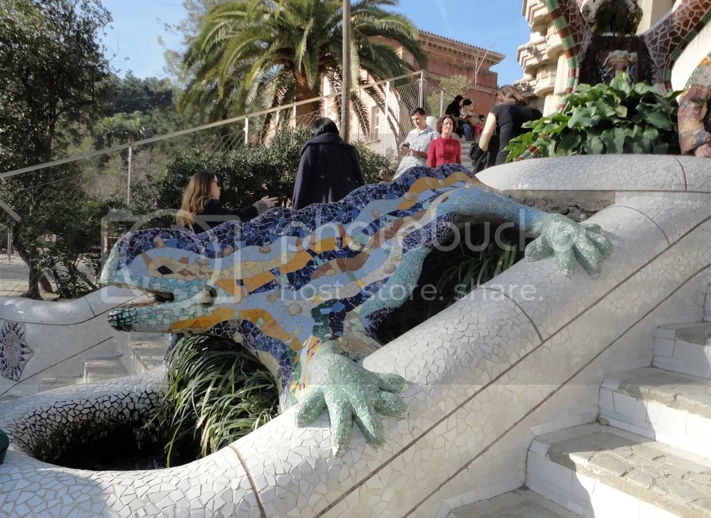 photo Parc_Guell_2_zpsurwurxru.jpg