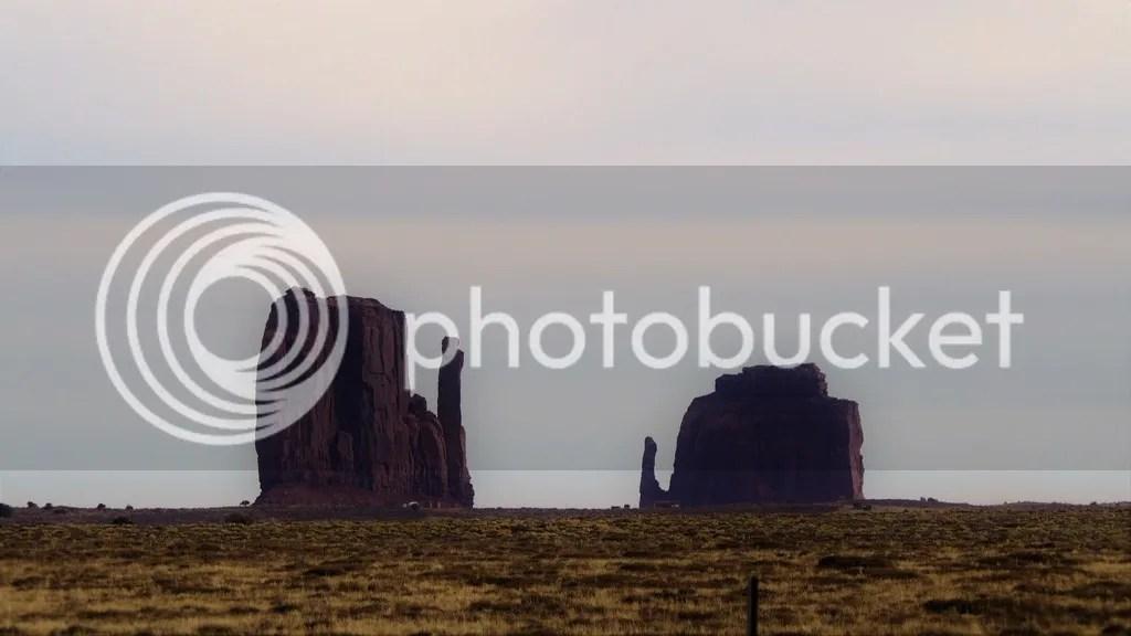 photo Monument_Valley_4_zpsiq5gffwg.jpg
