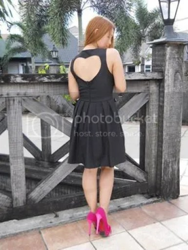Romwe Heart shape cut dress