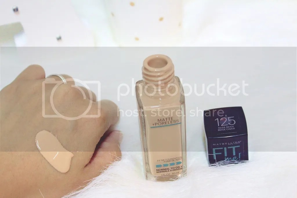 Maybelline Fit Me Matte + Poreless Foundation Texture