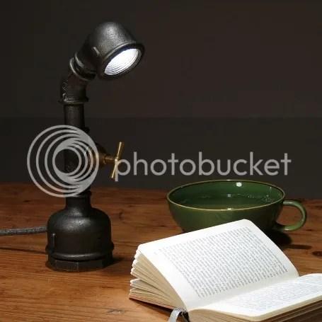 tischleuchte im industriestil metall stahl rohr dunkelgrau tischlampe schreibtischleuchte schreibtischleuchte design