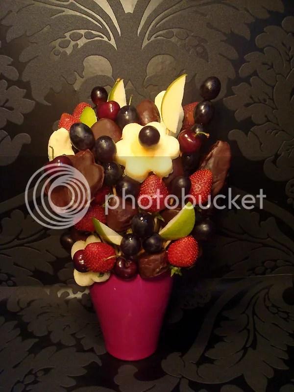 Früchtestrauß mit Schokolade
