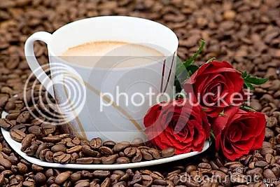 photo cup-coffee-red-roses-background-40293444_zps9lwkk9oo.jpg
