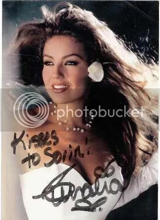 photo autograf-primit-de-la-Thalia-de-pe-vremea-cind-eram-soferul-ei-.jpg