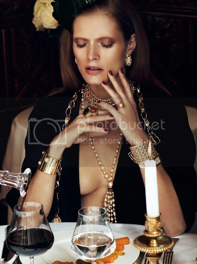 Vogue Paris Chic Ultimate Malgosia Bela Lachlan Bailey statement jewelry jewellery