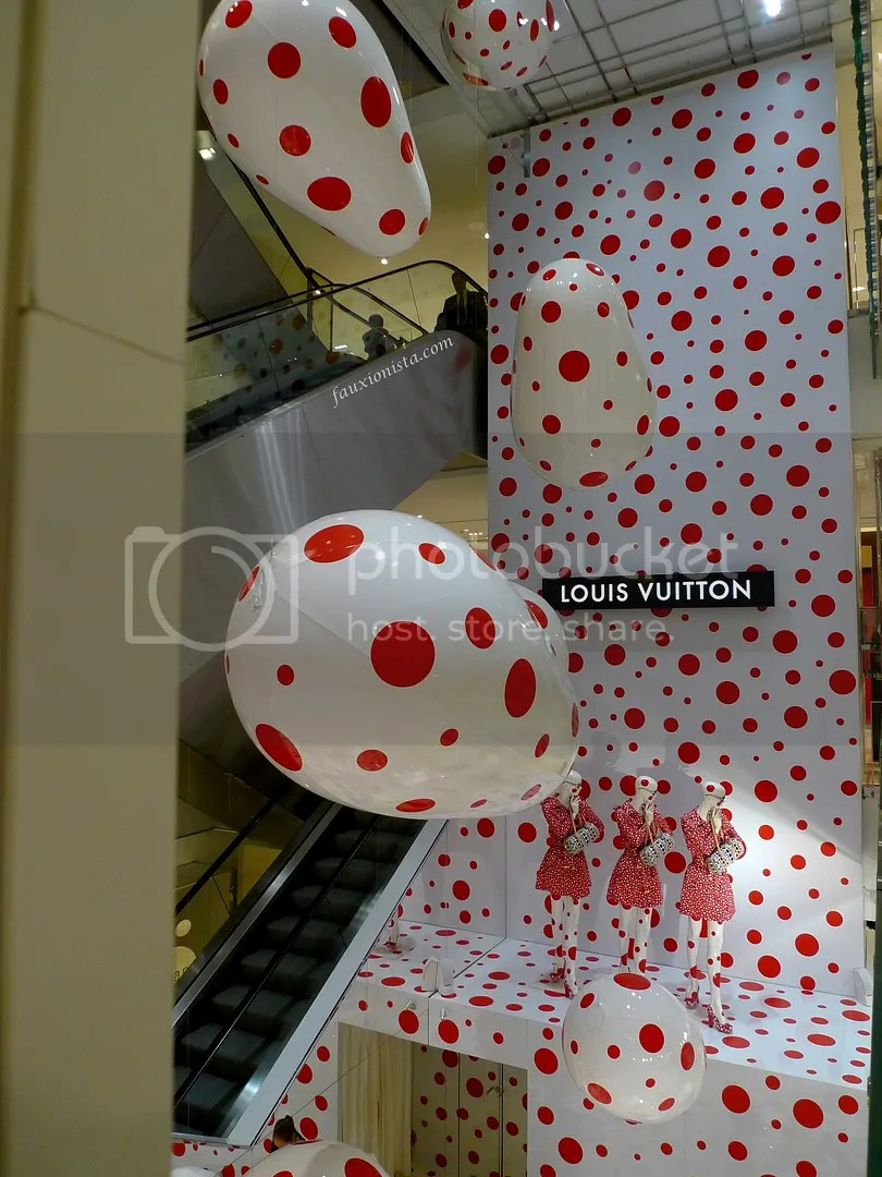 Louis Vuitton Yayoi Kusama Pop-up Store in Printemps