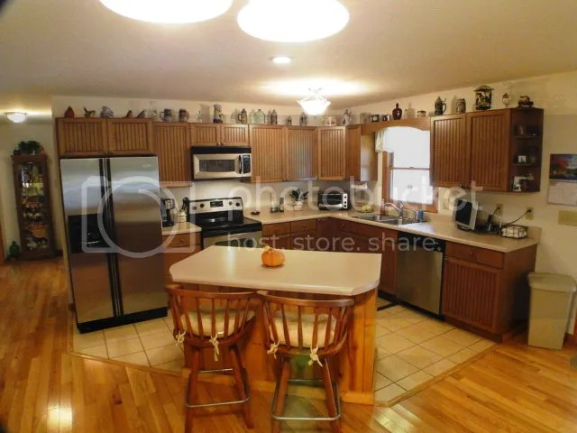 Beautiful kitchen with island and eat-in dining room, Franklin NC Realty, Macon County Real Estate, Mountain Cabin for Sale Franklin