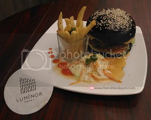 Burger Ireng Hotel Luminor Pecenongan