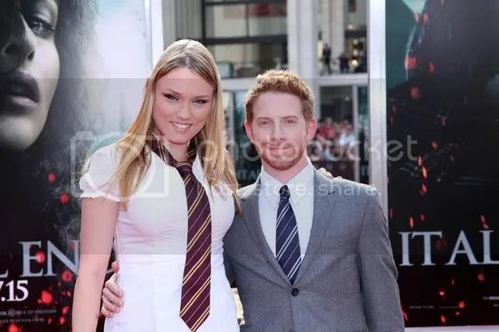 photo harry_potter_premiere_16_wenn3433657.jpg
