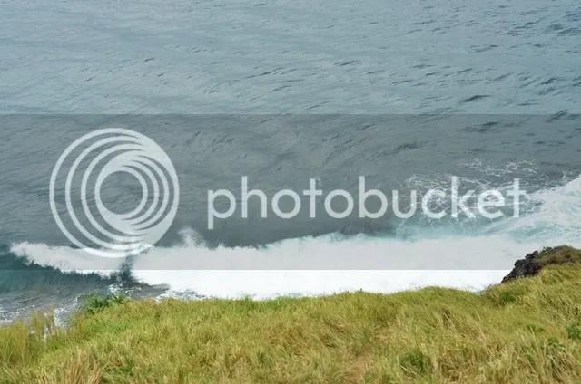crashing waves basco
