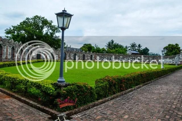 nagcarlan cemetery grounds