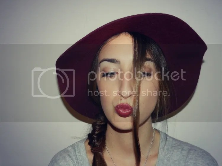 photo hat-lipstick.jpg