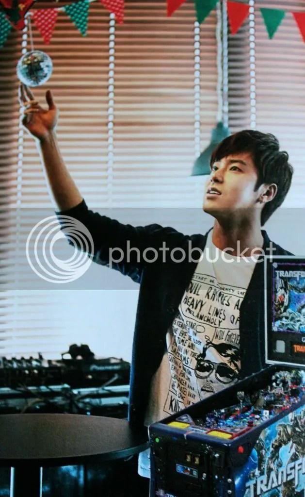 YH Celebrity photo celebrity2_zpsbaff81c3.jpg