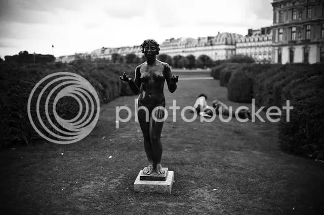 Paris Street Photography Leica M9 35mm f/1.4 Summilux by Eric Kim
