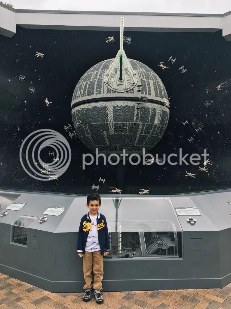 photo Legoland- Grimlock with Death Star_zpshlh6ohyk.jpg