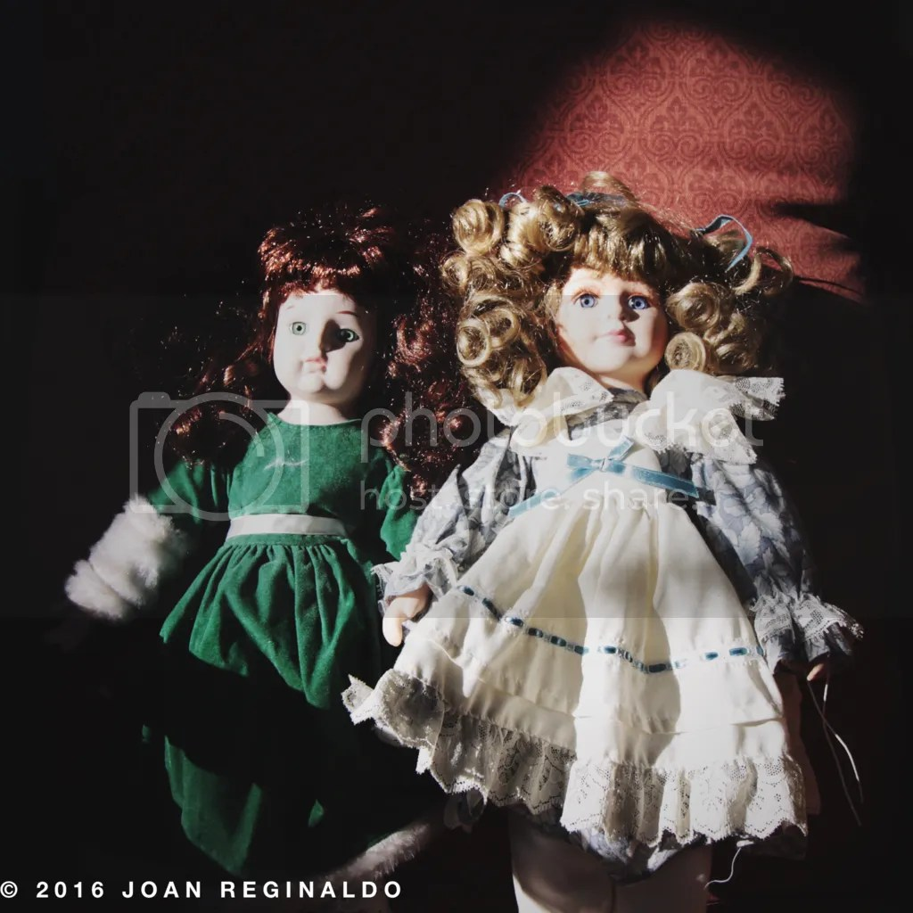 photo Two creepy dolls_zps7nidtdxu.png