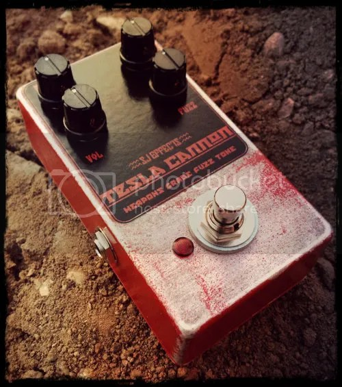 The Tesla Cannon: Weapons Grade Fuzz Tone!