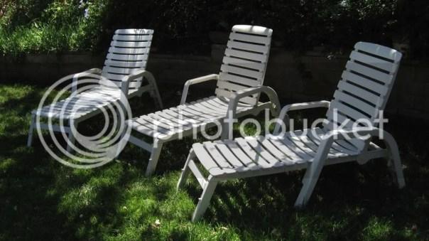 nardi resin lounge chairs