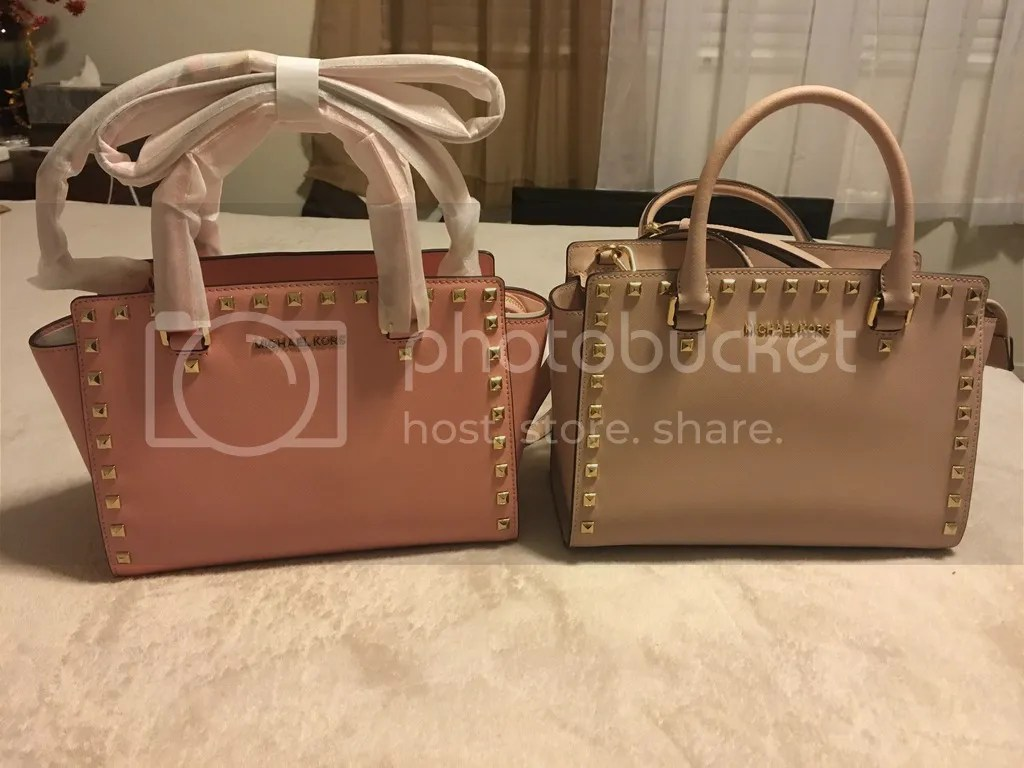 413ca1279ddc Just as an FYI the purse I am showing was bought through TJ Maxx – I did  buy the same one from an actual Michael Kors store (I'll insert the picture  below) ...