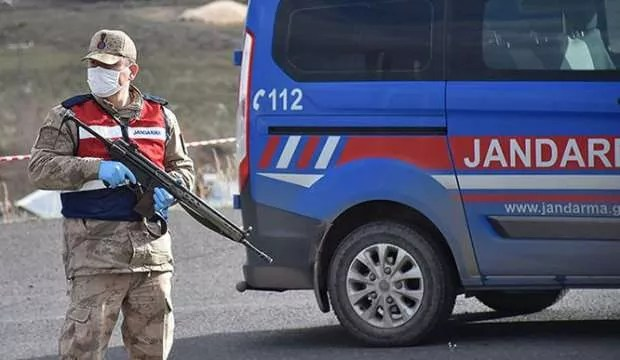 Kovid-19 çıkan köy karantinaya alındı 1