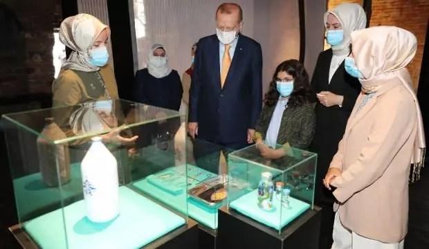 Erdoğan, 'Böyle Daha Güzelsin' standını gezdi 1