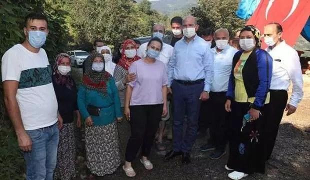 Bakan Soylu'dan selde hayatını kaybeden Özdemir'in ailesine ziyaret 1
