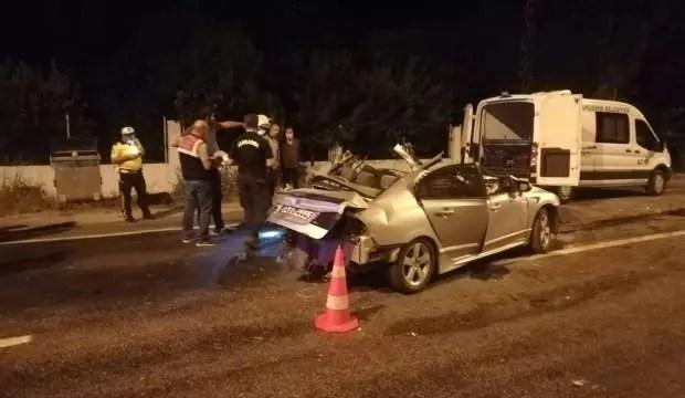 İzmir'de fecî kaza: 2 meyyit, 2 yaralı 1
