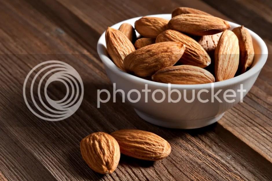 Kacang Almond - baguz baguz info media