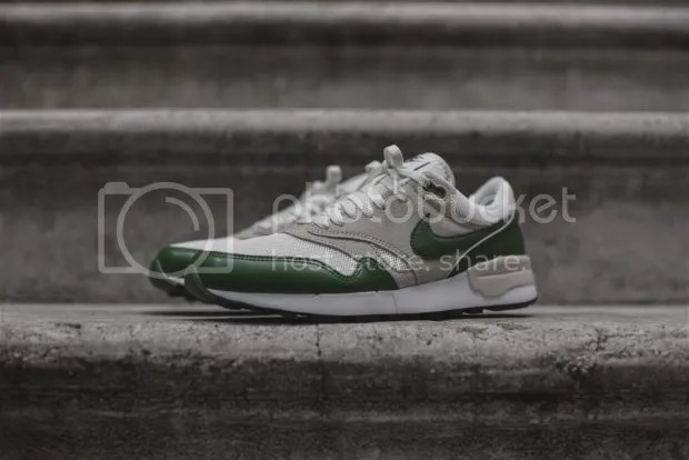 THE NIKE AIR ODYSSEY IN FOREST GREEN photo MTM1OTgxOTExMDQ5OTM0MDk4_zpst5ep1w8r.jpg