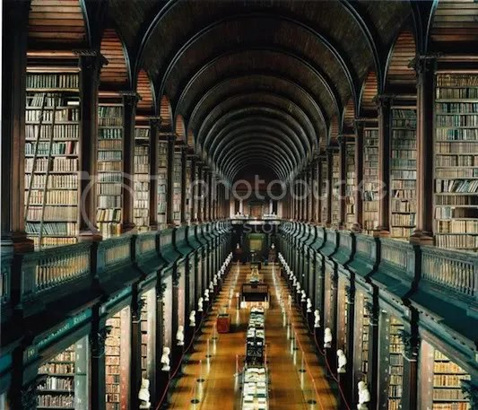 """The Long Room"" in der Bibliothek des Trinity College, Dublin"