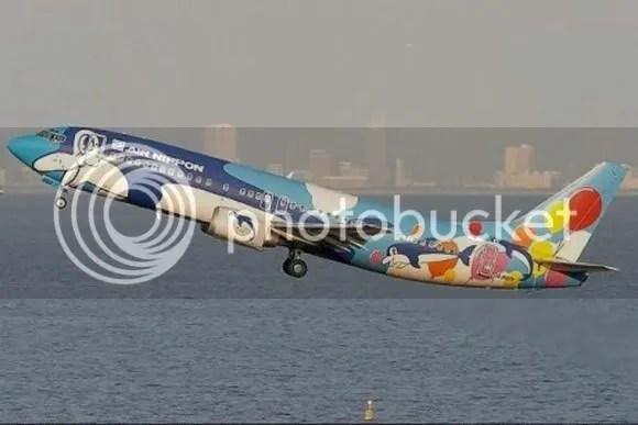 kapal terbang 2 [Gambar Menarik] Kapal Terbang Dengan Bodypaint Menarik