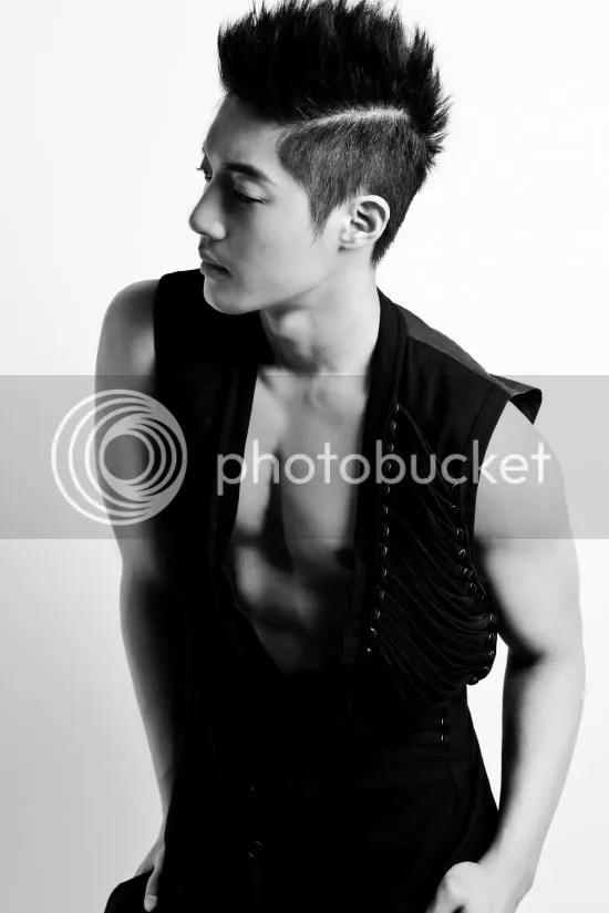 Kim Hyun Joong Presenta