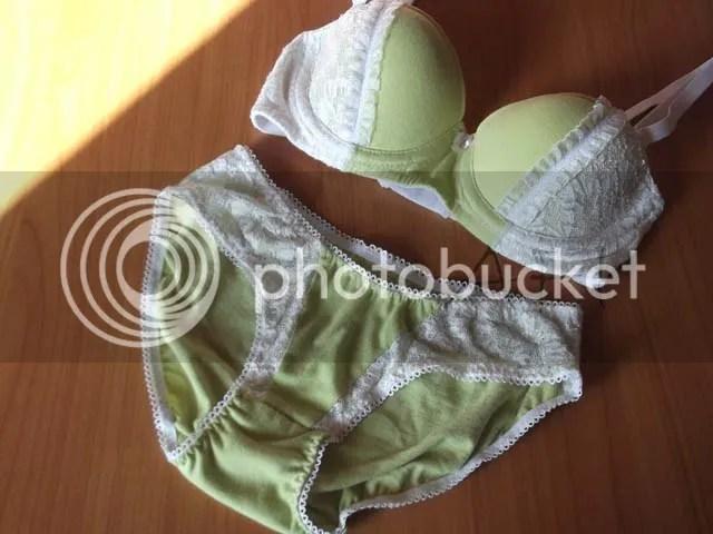 set de lenjerie verde alb
