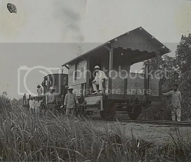 Foto Foto Jadul Pembuatan Jalur Kereta Api Di Indonesia